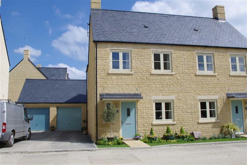 3 Bedrooms Semi Detached House for sale in The Furrows, Bourton-on-the-Water, Gloucestershire