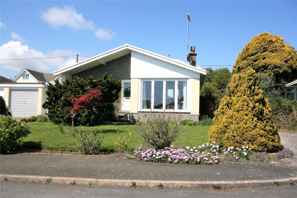 3 Bedrooms Detached Bungalow for sale in Harefield Drive, Stoke Fleming, Dartmouth, TQ6