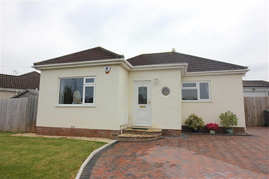 3 Bedrooms Detached Bungalow for sale in Trident Close, Downend, Bristol