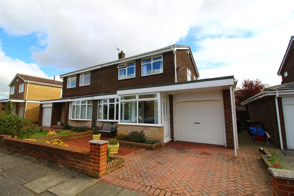 3 Bedrooms Semi Detached House for sale in Coldstream Way, North Shields