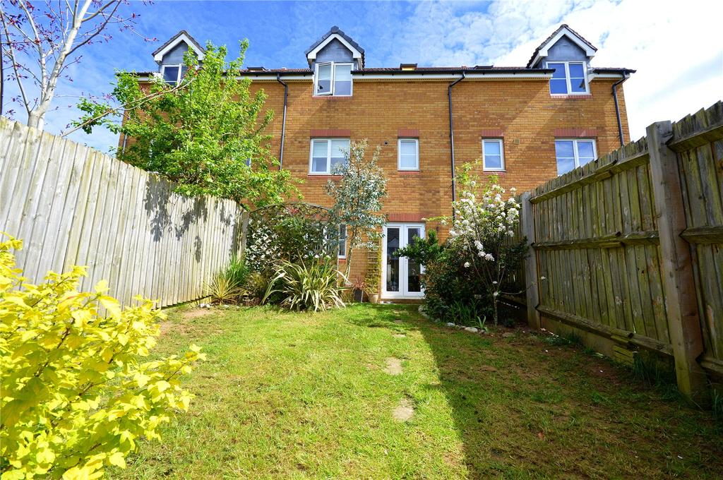 4 Bedrooms Semi Detached House for sale in Cottingham Drive, Pontprennau, Cardiff, CF23