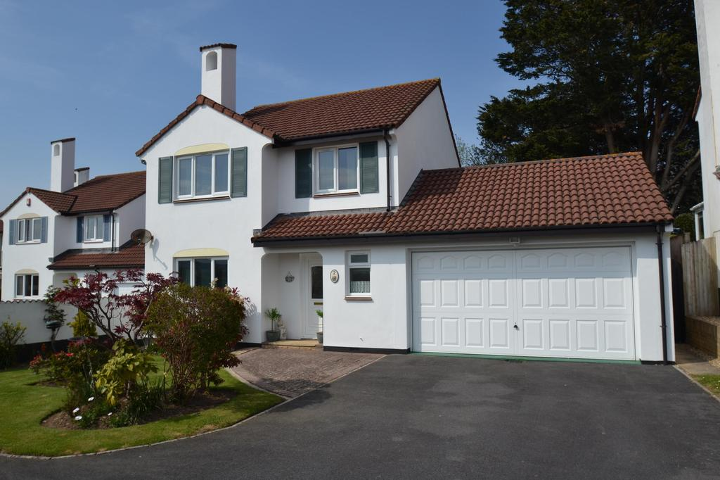 4 Bedrooms Detached House for sale in Periwinkle Drive, Roundswell