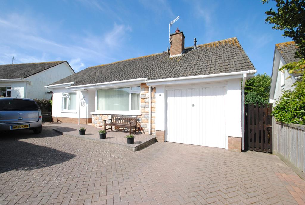 3 Bedrooms Bungalow for sale in Orchard Grove, Croyde