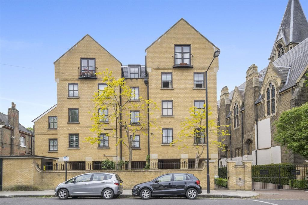 2 Bedrooms Flat for sale in Wordsworth Place, London, NW5
