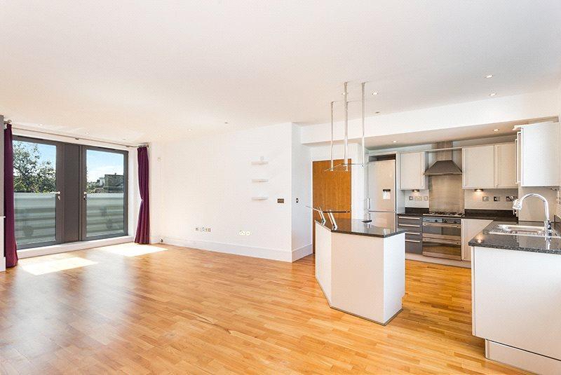 2 Bedrooms Flat for sale in Salcott Road, Wandsworth, London, SW11