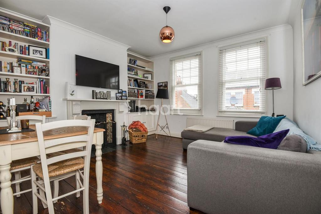 2 Bedrooms Flat for sale in Trent Road, Brixton, SW2