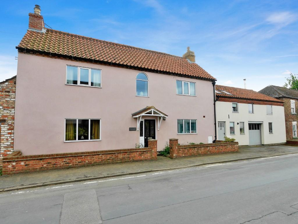 4 Bedrooms Detached House for sale in High Street, Barmby on the Marsh