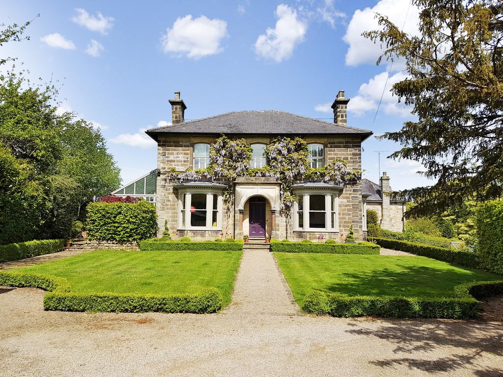 4 Bedrooms Detached House for sale in Dacre Banks, Harrogate