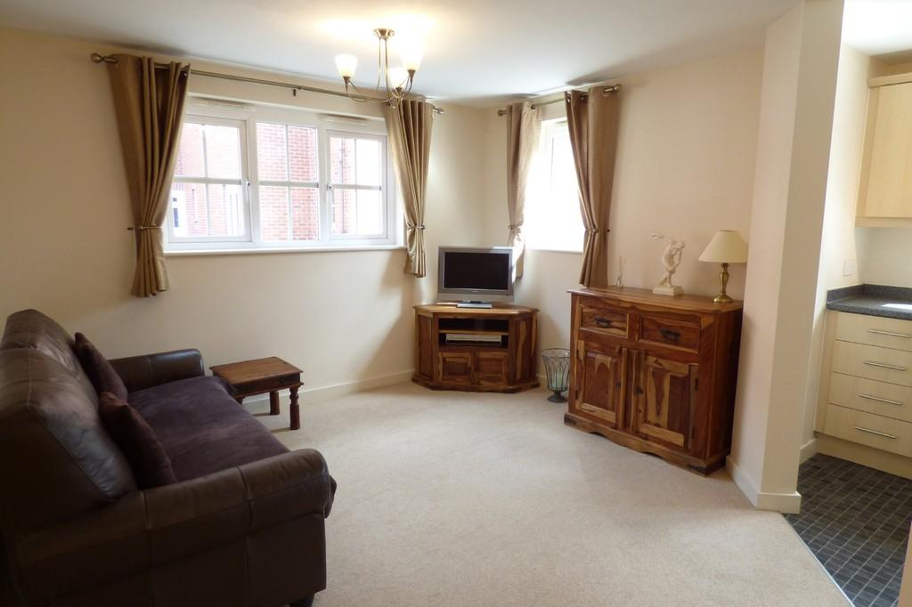 2 Bedrooms Ground Flat for sale in Hendeley Court, Burton-on-Trent