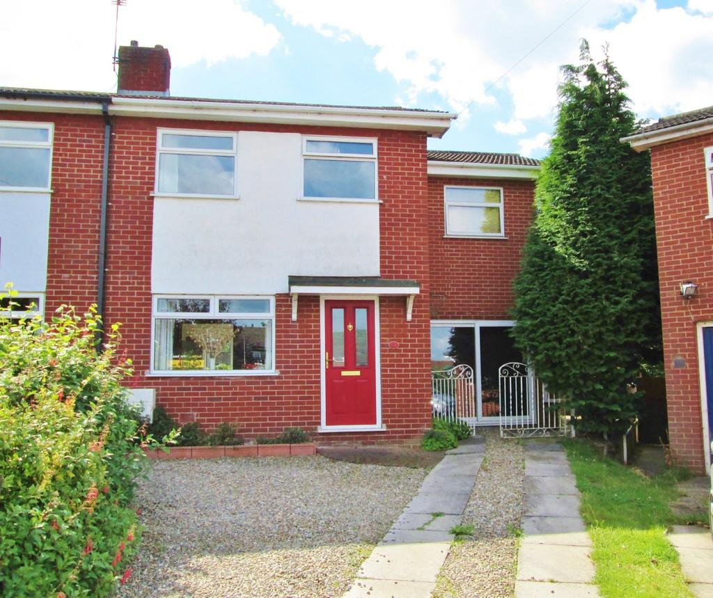 4 Bedrooms Semi Detached House for sale in Walpole Close, Haslington