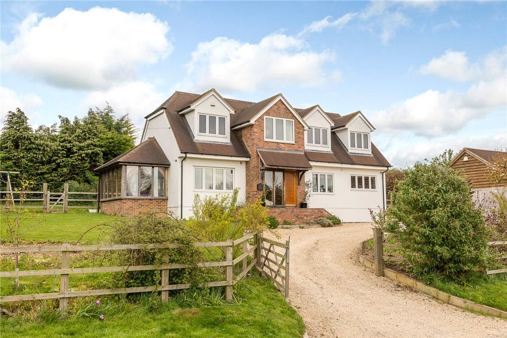 4 Bedrooms Detached House for sale in Hill Drop Lane, Lambourn Woodlands, Hungerford, Berkshire, RG17
