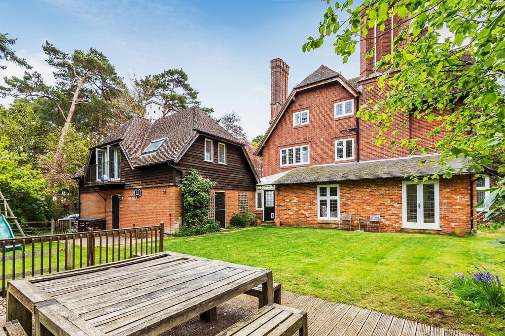 5 Bedrooms House for sale in Longdown Road, Lower Bourne
