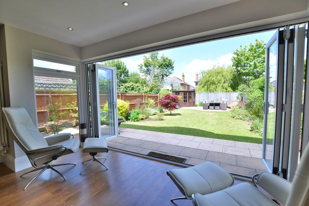 4 Bedrooms Detached House for sale in Fernside Road, Talbot Park, Bournemouth
