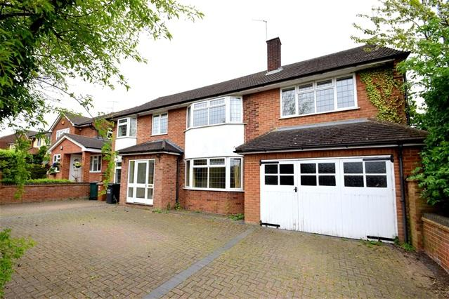 6 Bedrooms Detached House for sale in Toms Lane, Kings Langley