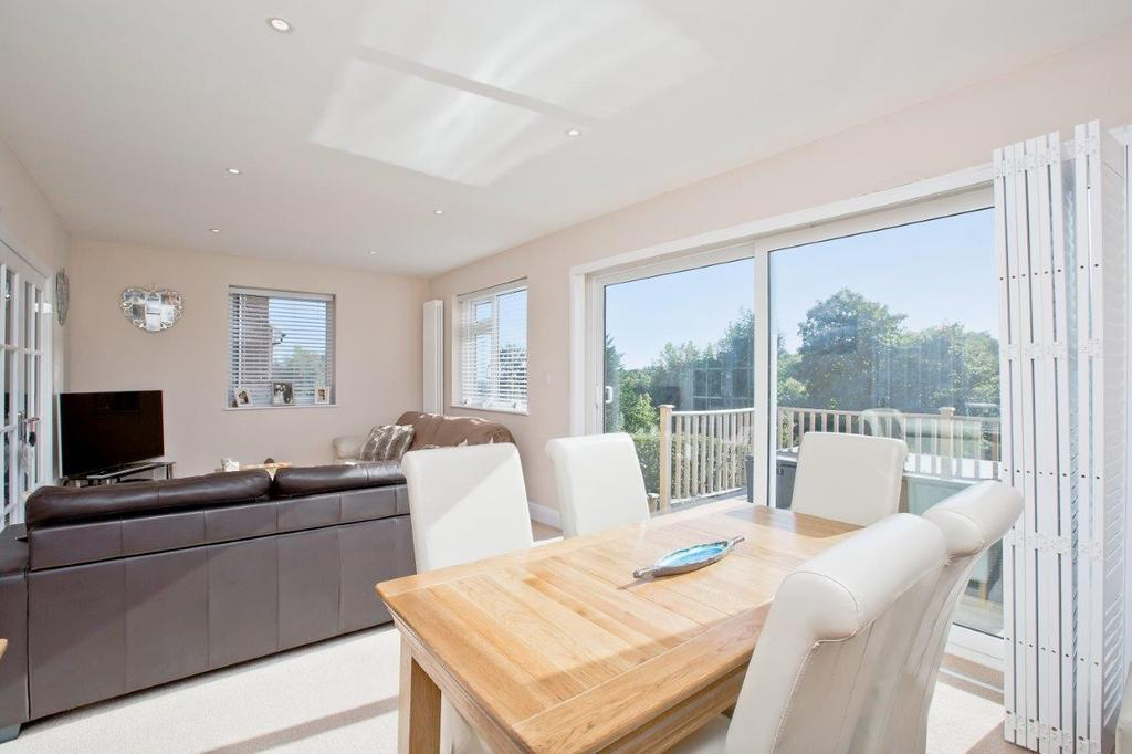 3 Bedrooms Semi Detached House for sale in Copse Hill, Brighton, BN1