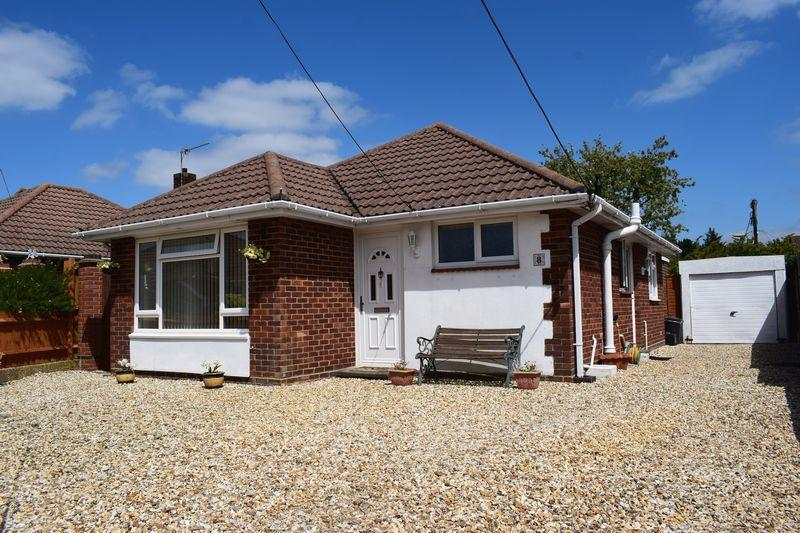 3 Bedrooms Detached Bungalow for sale in Stanley Road, Southampton