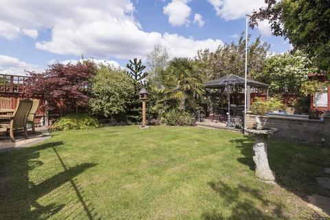 3 bedroom detached house for sale - Cadwallon Road, New Eltham
