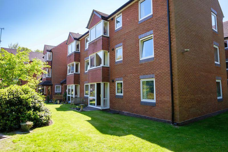 2 Bedrooms Retirement Property for sale in Beechwood Court, Tettenhall, Wolverhampton