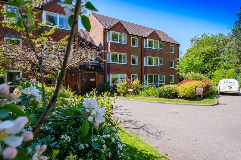 2 Bedrooms Retirement Property for sale in Beechwood Court, Tettenhall, Wolverhampton