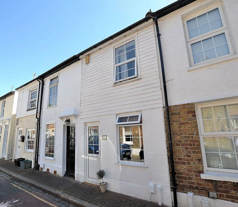 2 Bedrooms Terraced House for sale in Henry Street, Bromley