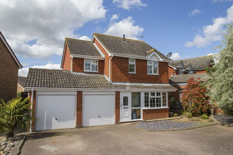 4 Bedrooms Detached House for sale in Micklesmere Drive, Ixworth