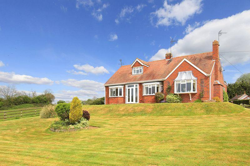 3 Bedrooms Detached Bungalow for sale in CLAVERLEY, Draycott