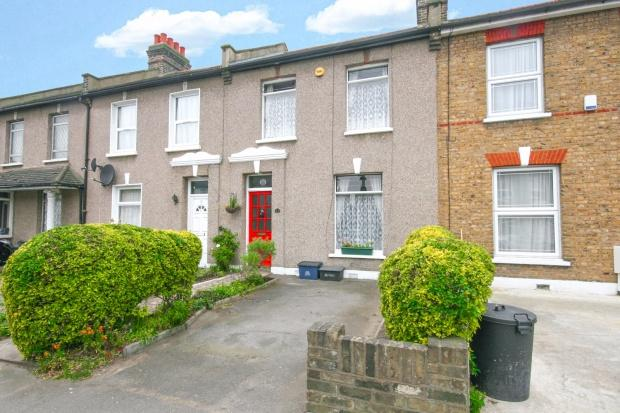 2 Bedrooms Terraced House for sale in Chester Road Chester Road, Ilford, IG3