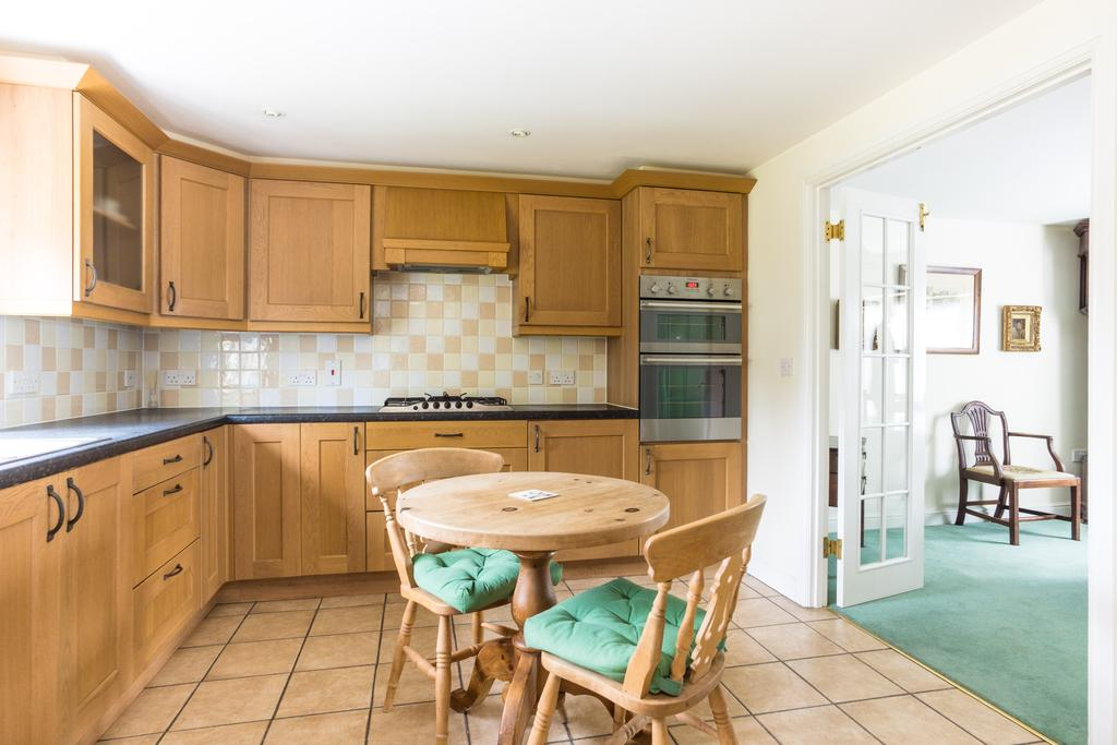 4 Bedrooms House for sale in Bede Street, Sherborne
