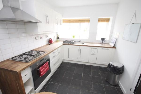 3 Bedrooms Apartment Flat for sale in Suffolk Road, Bournemouth
