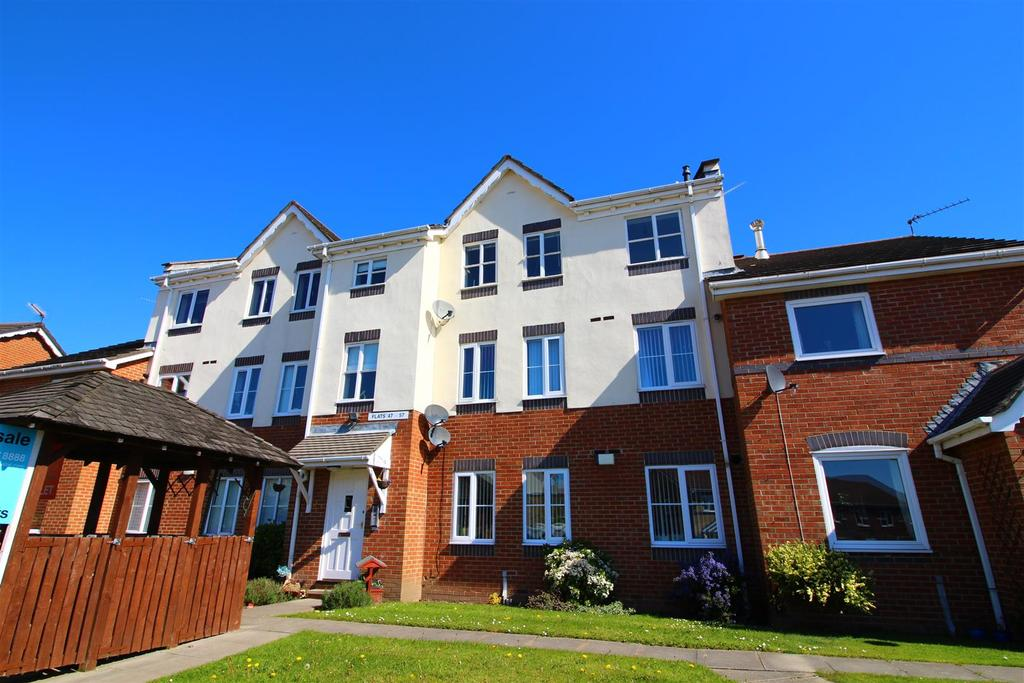 3 Bedrooms Flat for sale in Blucher Road, Royal Quays, North Shields