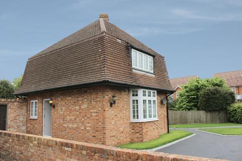 1 bedroom semi-detached house to rent - Dedmere Road, Marlow, SL7 1PG