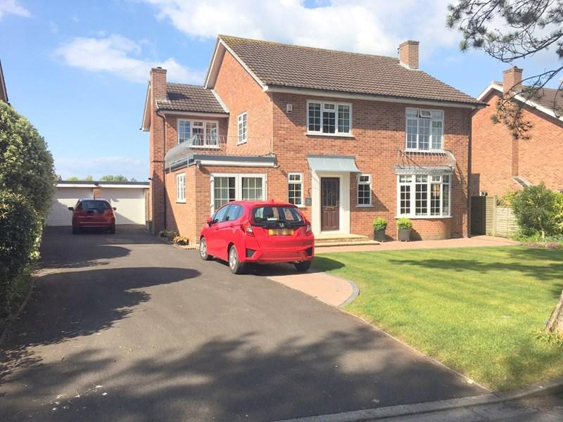 4 Bedrooms Detached House for sale in St. Ann's Drive, Gore Road, Burnham-On-Sea