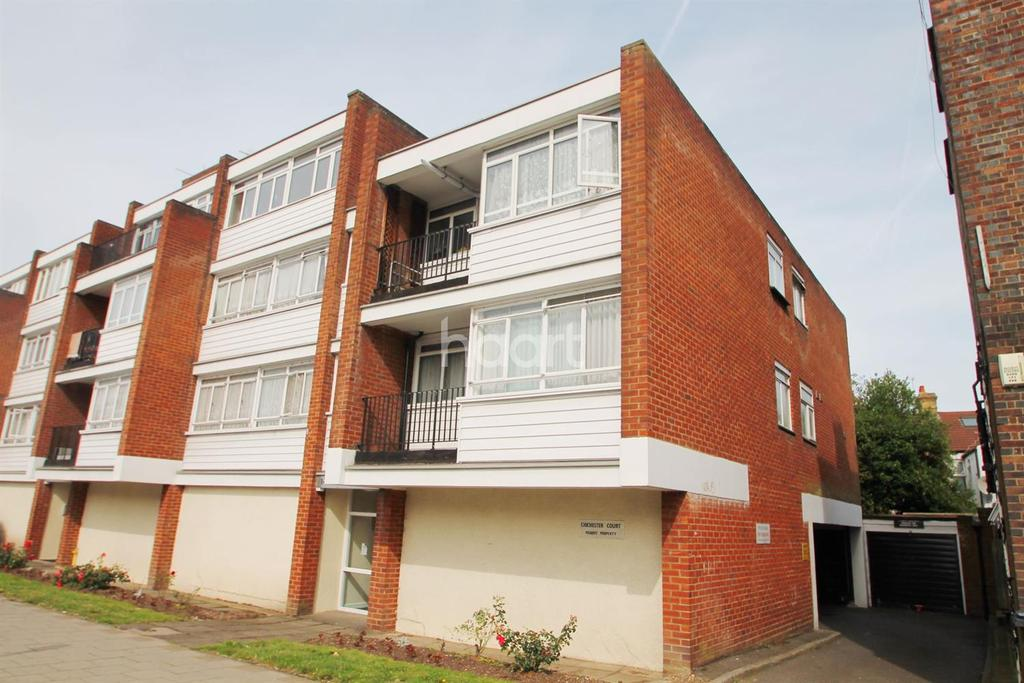 Studio Flat for sale in Chichester Court, Whitchurch Lane, HA8