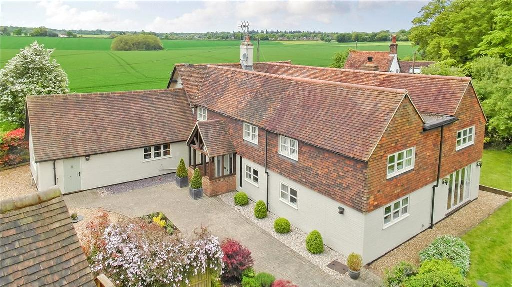 5 Bedrooms Detached House for sale in Hudnall Common, Little Gaddesden, Berkhamsted, Hertfordshire, HP4