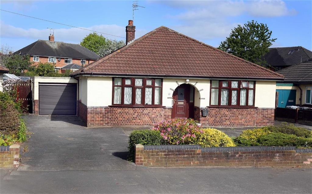3 Bedrooms Detached Bungalow for sale in Queens Drive, Nantwich, Cheshire
