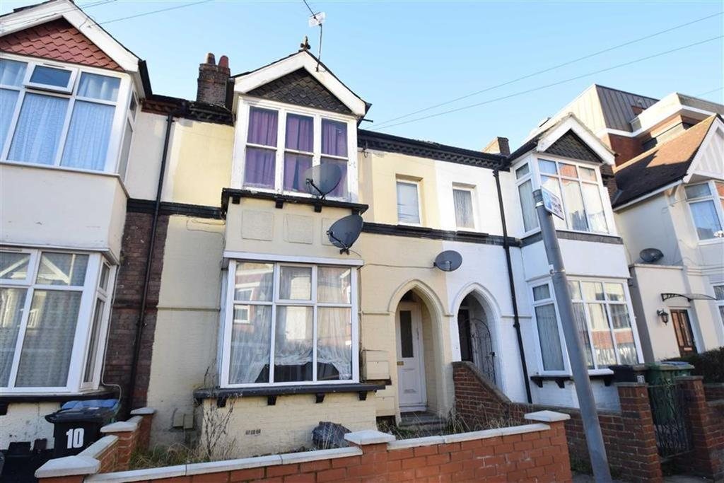 2 Bedrooms Apartment Flat for sale in Westland Road, Watford, Herts