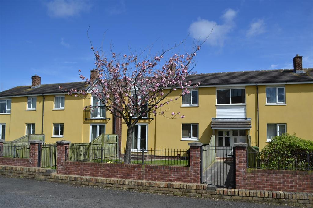 1 Bedroom Apartment Flat for sale in Earlston Street, Carley Hill, Sunderland