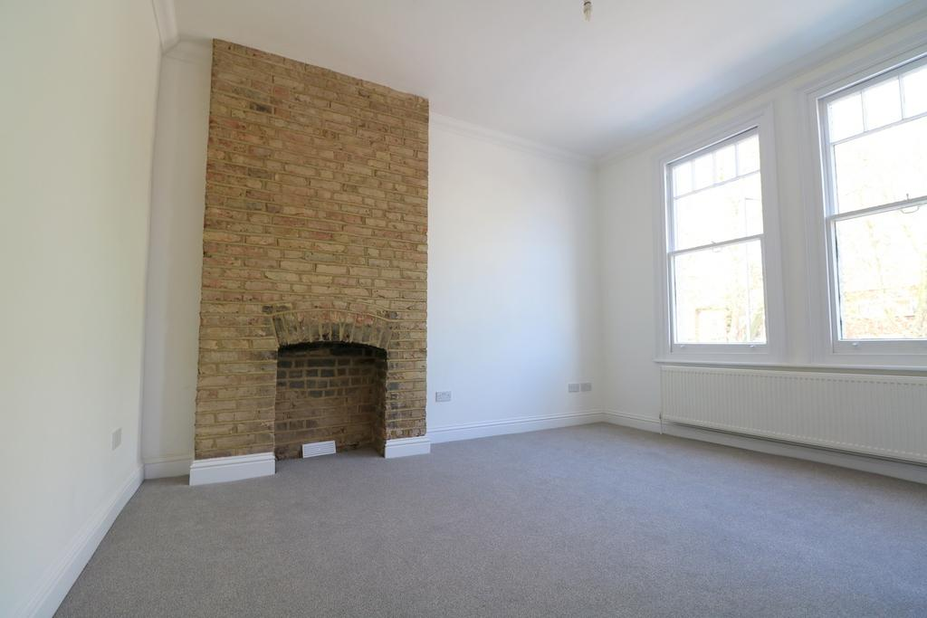 1 Bedroom Flat for sale in Christchurch Road