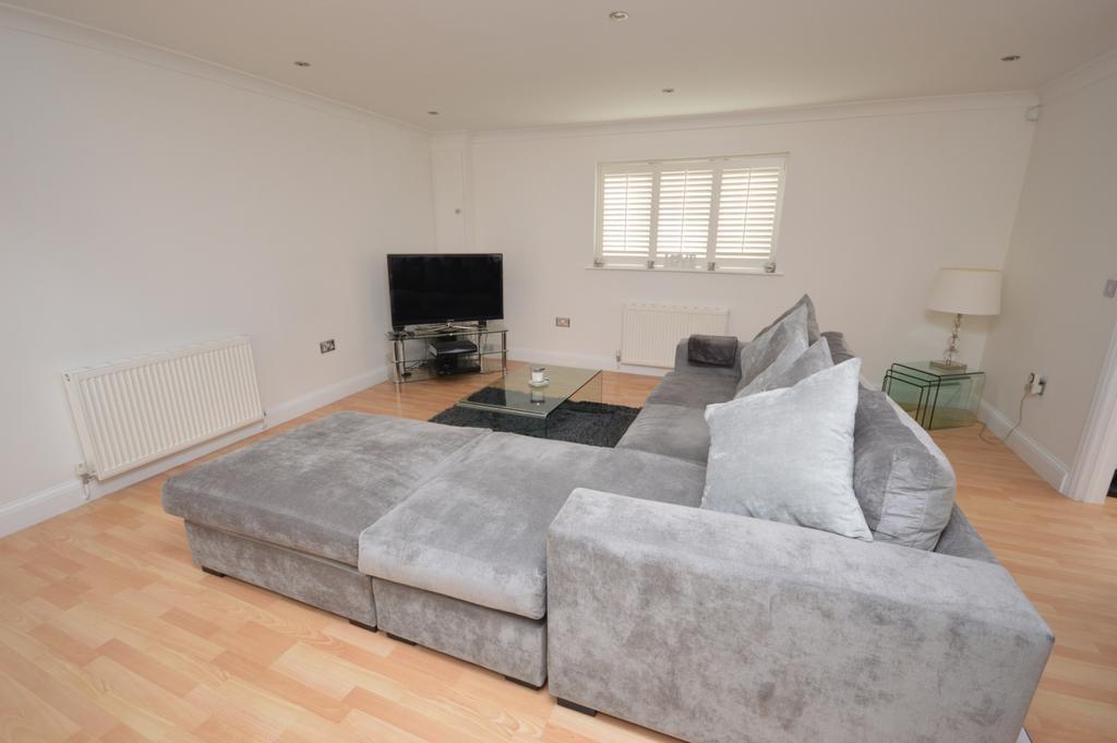 2 Bedrooms Link Detached House for sale in Blythe Hill Lane Catford SE6