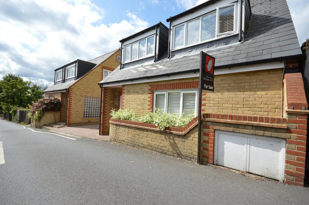 2 Bedrooms Link Detached House for sale in Blythe Hill Lane Catford SE6