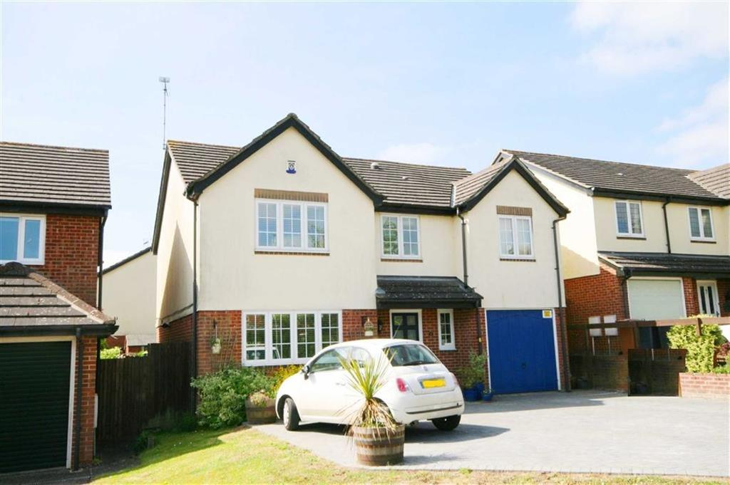 5 Bedrooms Detached House for sale in Luynes Rise, Buntingford