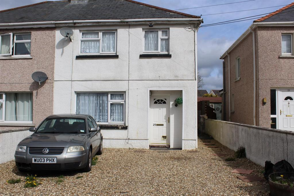 3 Bedrooms Semi Detached House for sale in Gelli Road, Llandybie, Ammanford