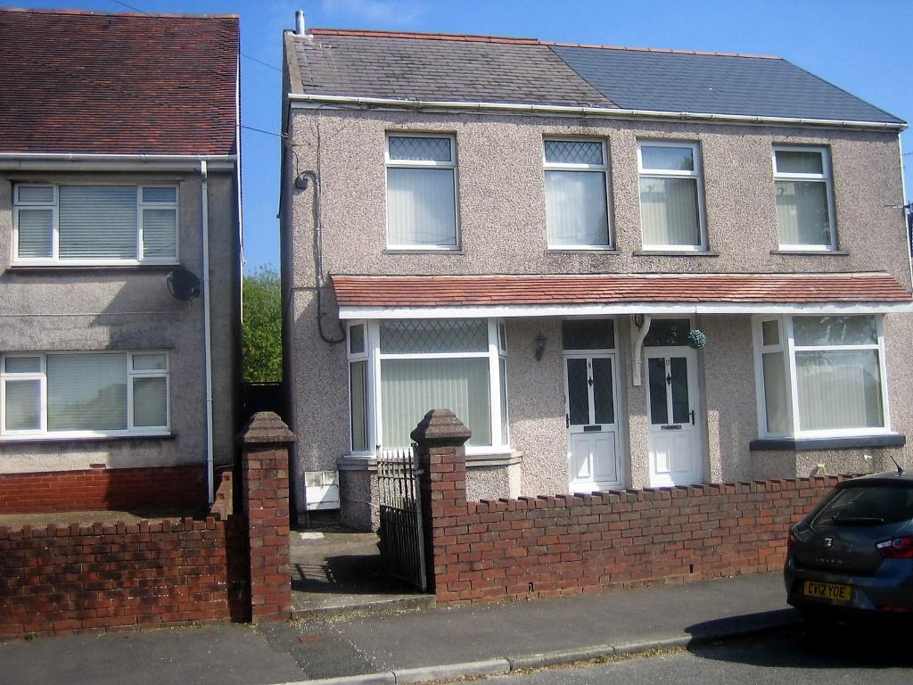 3 Bedrooms Semi Detached House for sale in Clordir Rd, Pontlliw