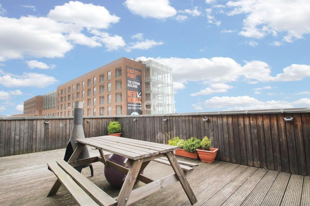 2 Bedrooms Flat for sale in Calisto Court, Canning Town