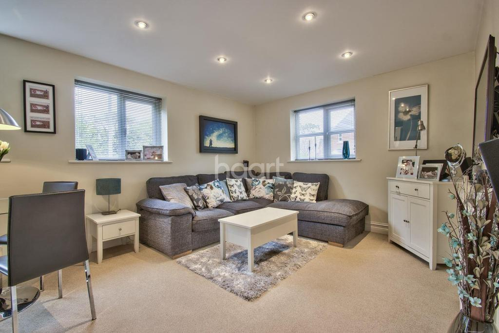 2 Bedrooms Flat for sale in Old Wolverton