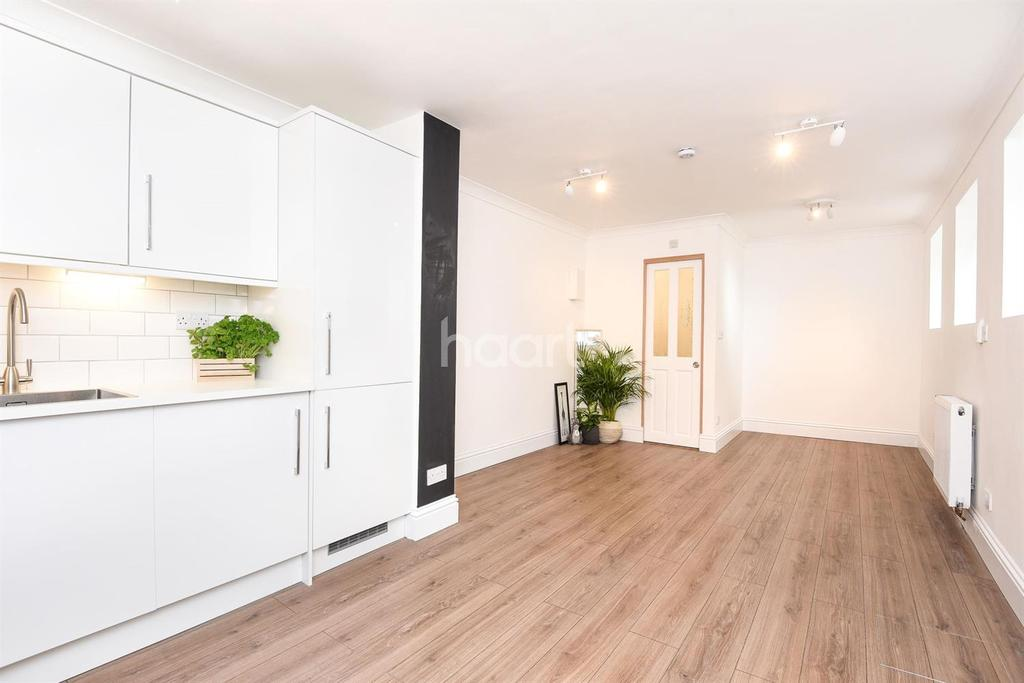 Studio Flat for sale in Borrodaile Road, London, SW18