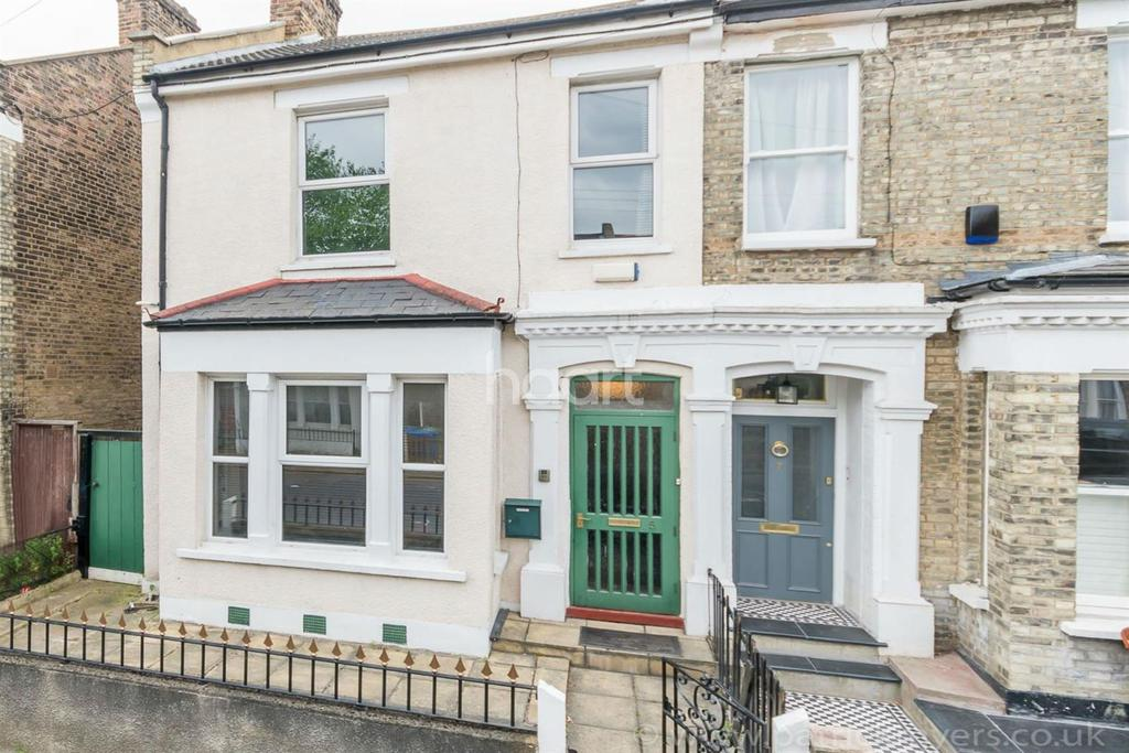 4 Bedrooms Semi Detached House for sale in Tresco Road,Nunhead, London SE15