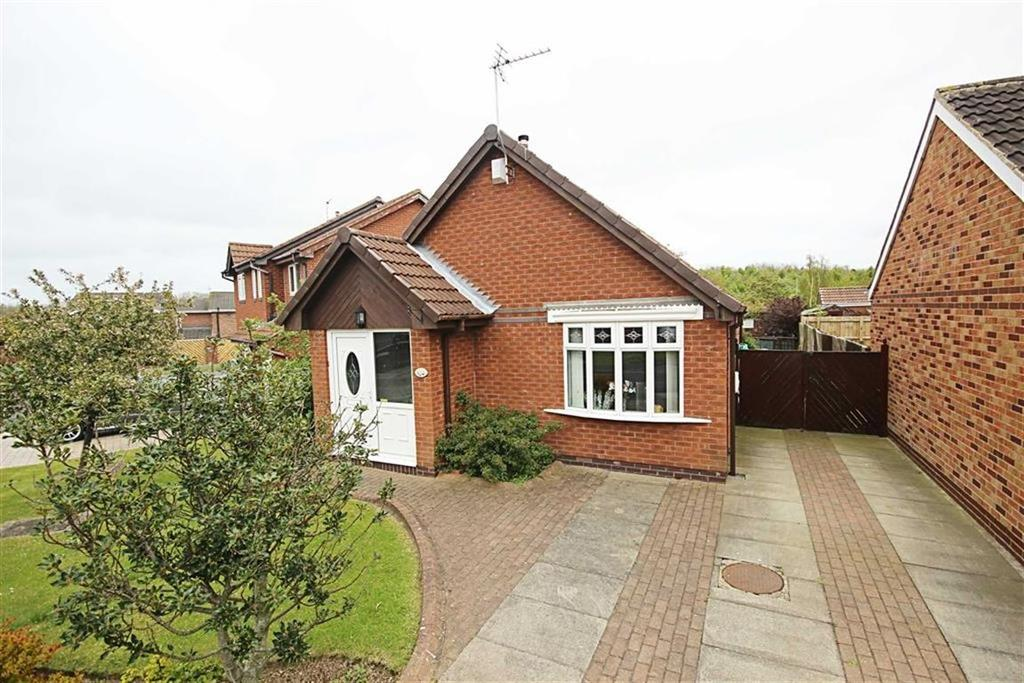 2 Bedrooms Detached Bungalow for sale in Evesham Close, Boldon Colliery, Tyne And Wear