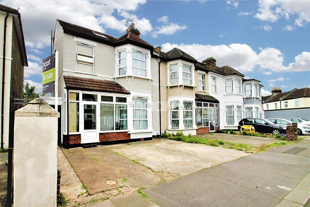 4 Bedrooms Terraced House for sale in Dalkeith Road, Ilford, Essex