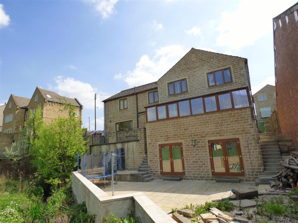 4 Bedrooms Detached House for sale in Cliffe Lane, Cleckheaton